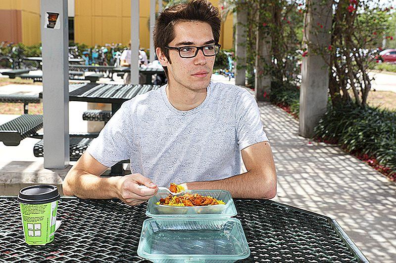 Ево како да уштедите на храном након завршетка обавезног плана оброка колеџа